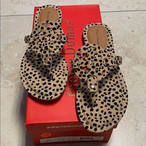 Cheetah Medallion Sandals size 6 # 241